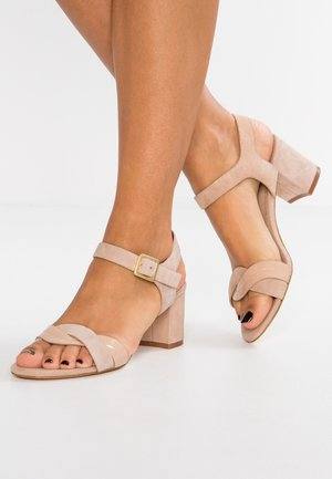 LEATHER HEELED SANDALS - Sandály - beige