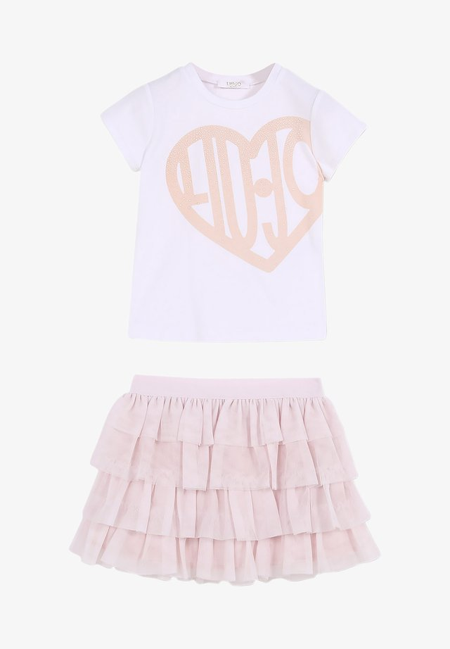 T-shirt con stampa - pink