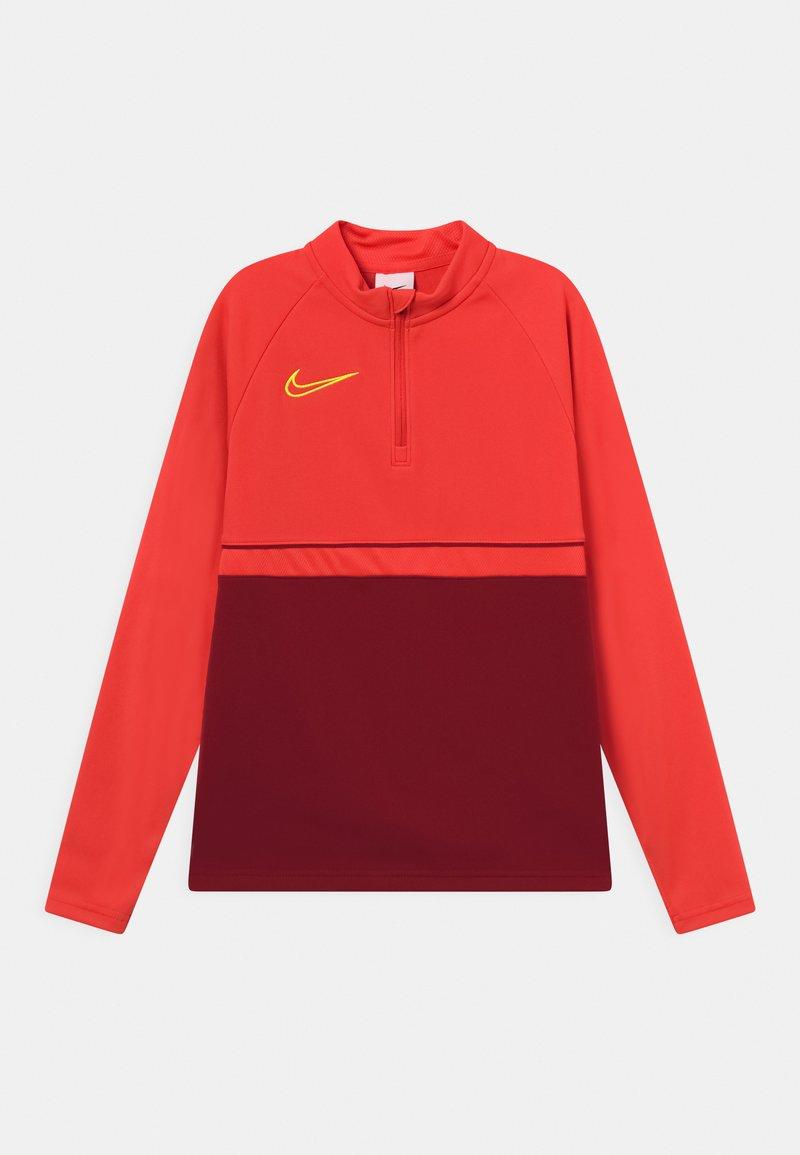 Nike Performance - ACADEMY DRILL UNISEX - Sportshirt - gym red/bright crimson/volt