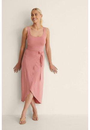Maxi dress - dusty dark pink