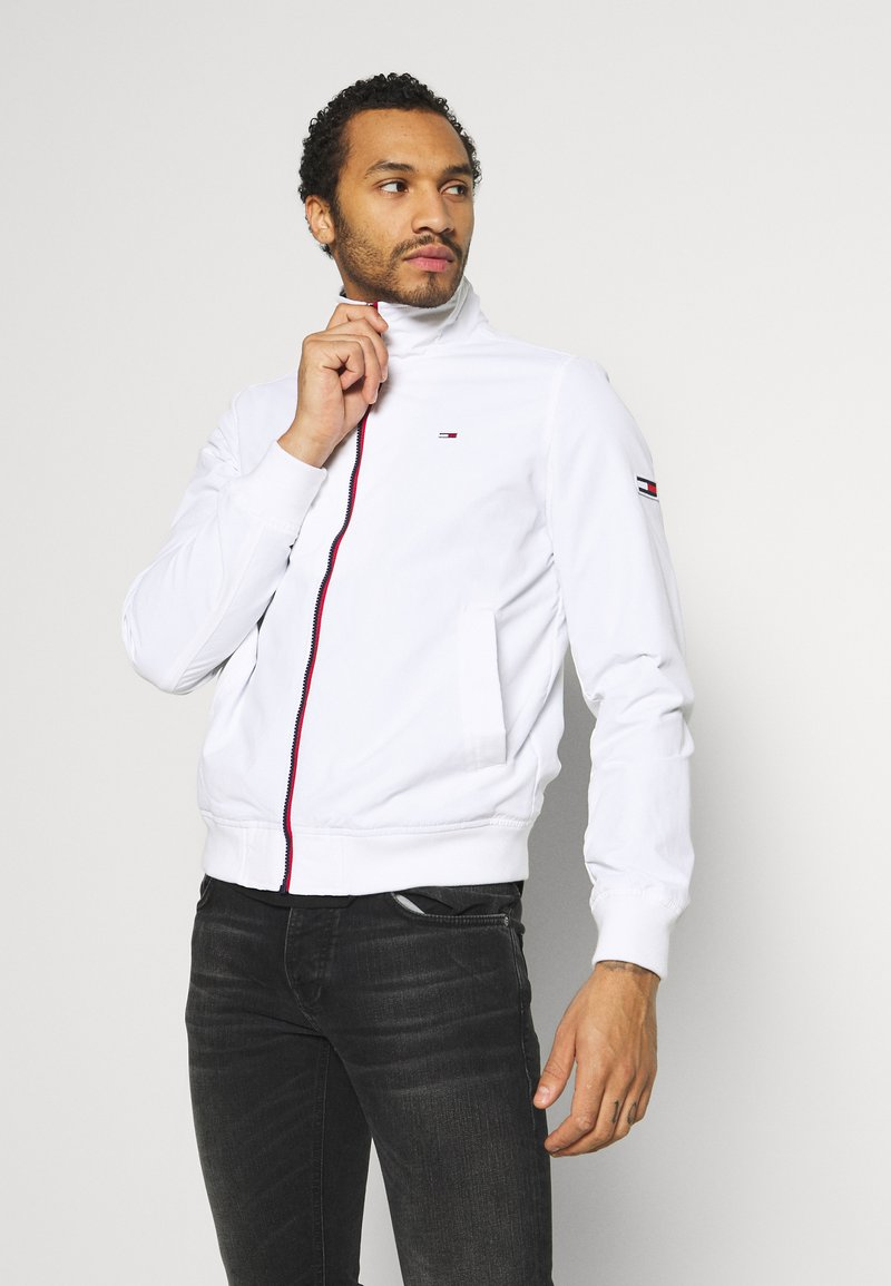 Tommy Jeans - ESSENTIAL JACKET - Tunn jacka - white