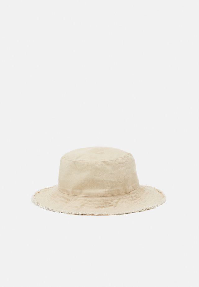 FRAYED EDGE BUCKET - Hoed - sand