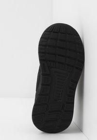 adidas Performance - RUNFALCON I UNISEX - Zapatillas de running neutras - core black - 5