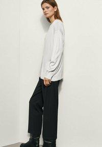 Massimo Dutti - BOYFRIEND - Sweatshirt - beige - 1