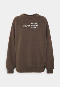 DESIGNERS REMIX - WILLIE - Sweatshirt - dusty brown/white print - 4