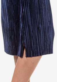 Ulla Popken - A-line skirt - deep dark blue - 3