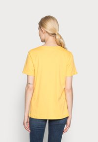 s.Oliver - Basic T-shirt - sunset yellow - 2