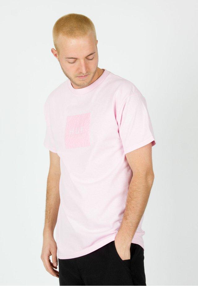 T-shirt print - coral pink