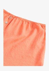 OYSHO - Shorts - coral - 5