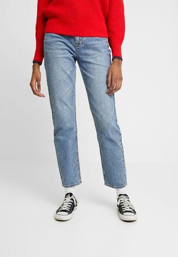 ONLEMILY ANKLE - Jeans straight leg - medium blue denim