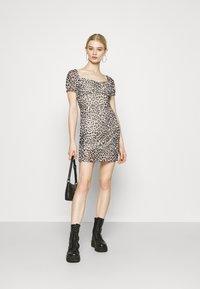 Topshop - NEW MONO LEOPARD MINI DRESS - Shift dress - mono - 1