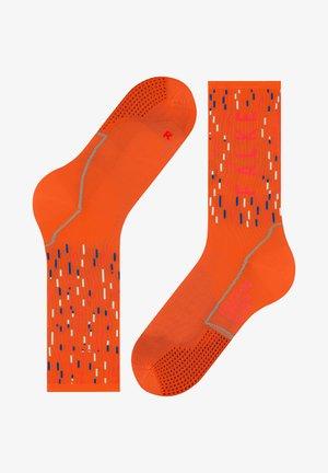 BC IMPULSE PELOTON - Sports socks - orange ray