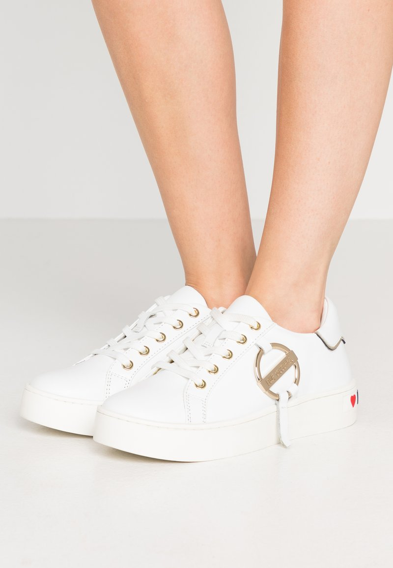 Love Moschino - DAILY LOVE - Trainers - white
