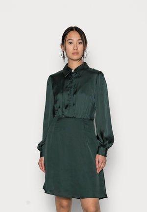 VICAJSA DIAMOND DRESS - Sukienka koszulowa - darkest spruce