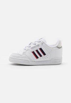 CONTINENTAL 80 STRIPES UNISEX - Zapatillas - footwear white/collegiate navy/vivid red