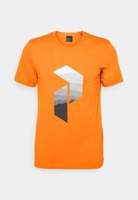 Peak Performance - EXPLORE BIG TEE - Print T-shirt - explorange - 0