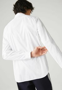 Lacoste - CH2933 - Formal shirt - blanc - 2