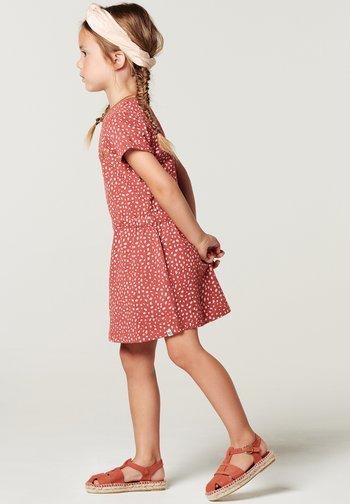 LUMSDEN - Jersey dress - marsala