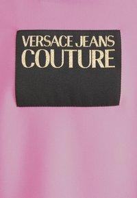 Versace Jeans Couture - LADY - T-shirt z nadrukiem - pink confetti - 6