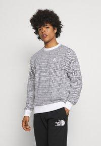 Nike Sportswear - CLUB CREW GRID - Sweatshirt - white - 0