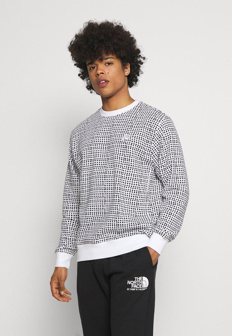 Nike Sportswear - CLUB CREW GRID - Sweatshirt - white