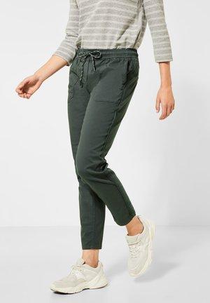 LOOSE FIT - Trousers - grün