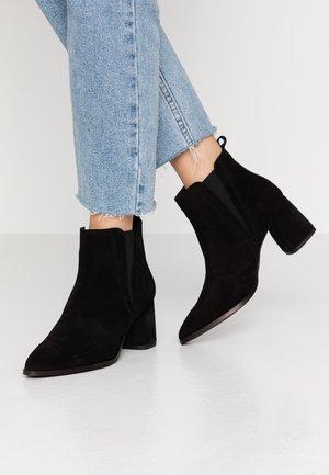 VMNIVI - Ankle boots - black