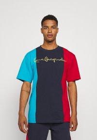 Karl Kani - ORIGINALS BLOCK TEE - Print T-shirt - navy - 0