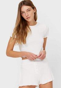 Stradivarius - WITH LETTUCE-EDGE TRIMS - Print T-shirt - off-white - 0