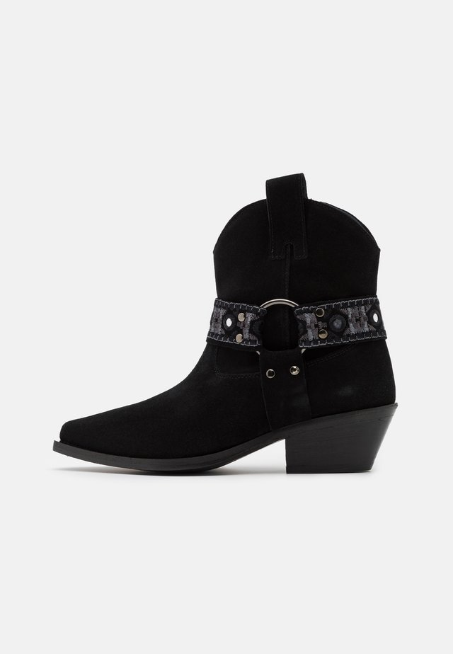 TEA BOOT - Cowboy/biker ankle boot - nero limousine