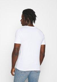Jack & Jones - JJECORP LOGO TEE O-NECK - Print T-shirt - white - 2