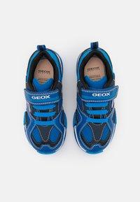 Geox - BAYONYC BOY - Zapatillas - royal/light blue - 3