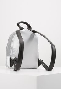 KARL LAGERFELD - BACKPACK - Sac à dos - silver - 2