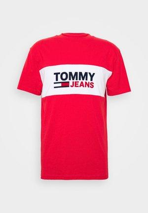PIECED BAND LOGO TEE - T-shirts print - deep crimson