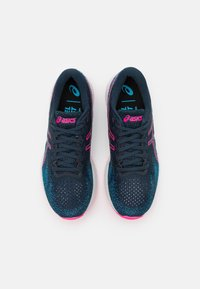 ASICS - GEL DS TRAINER 26 - Neutral running shoes - french blue/hot pink - 3