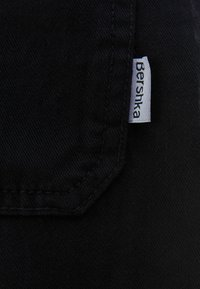 Bershka - MIT KETTE  - Kalhoty - black - 5