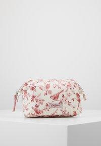 Cath Kidston - FRAME COSMETIC BAG - Akcesoria podróżne - warm cream - 0