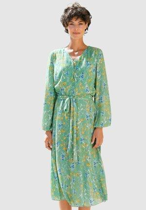 Day dress - salbeigrün