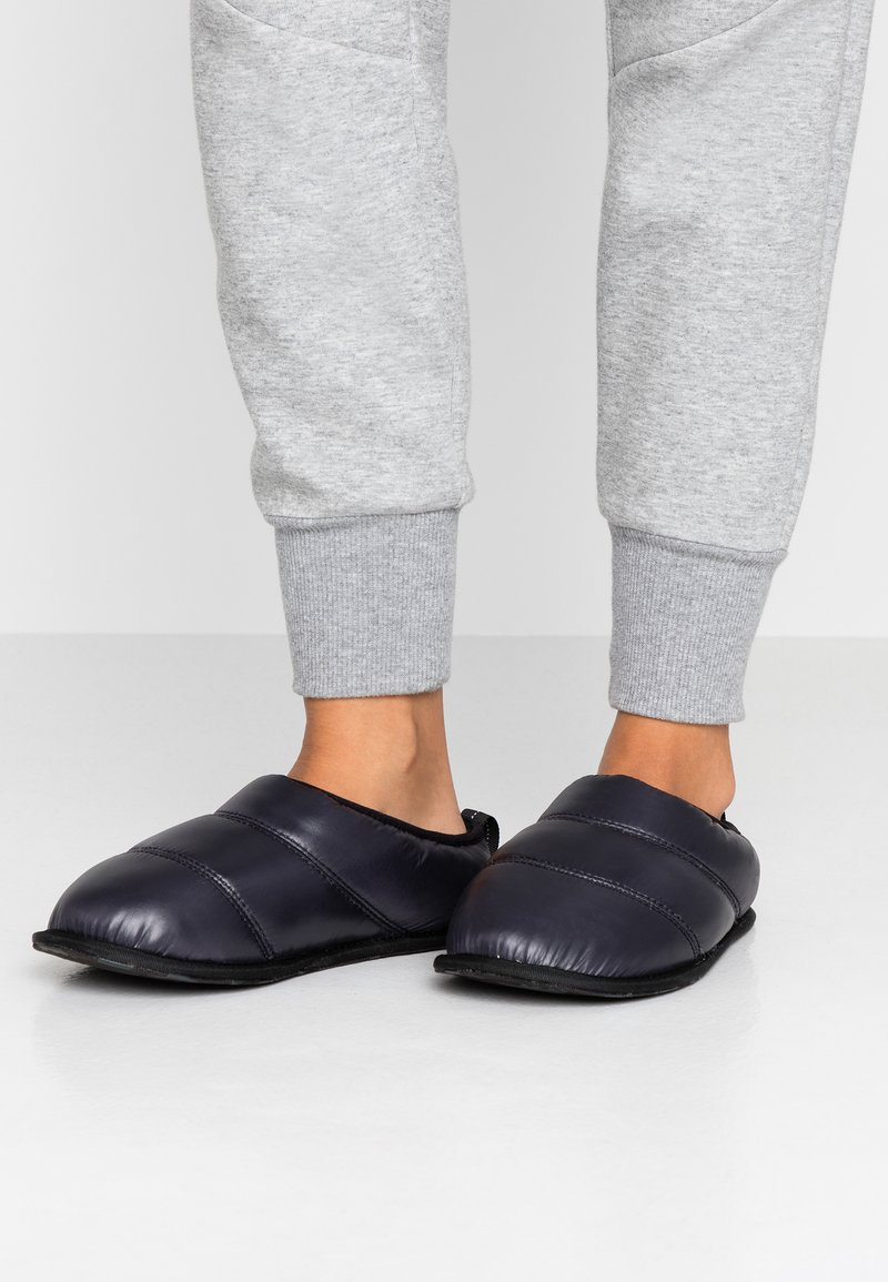 Sorel - HADLEY SLIPPER - Tøfler - black