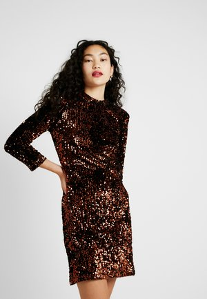 YASWHITNEY 3/4 DRESS - Vestido de tubo - black