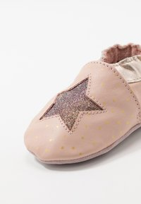 Robeez - FIRE STAR - First shoes - rose/clair - 5