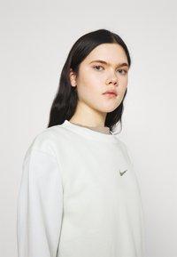 Nike Sportswear - Sweatshirt - spruce aura - 3