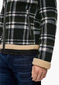 QS by s.Oliver - Blazer jacket - black check - 5