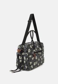 Kidzroom - DIAPER BAG MICKEY MOUSE BETTER CARE SET - Bolsa cambiador - grey - 1