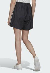 adidas Originals - LONG SHORTS - Teplákové kalhoty - black - 1