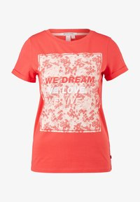 QS by s.Oliver - MIT FRONTPRINT - Print T-shirt - red - 5