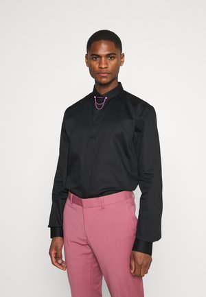 LYNTON - Formal shirt - black