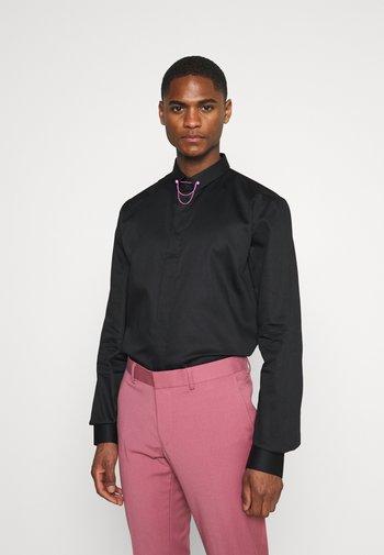 LYNTON - Formální košile - black