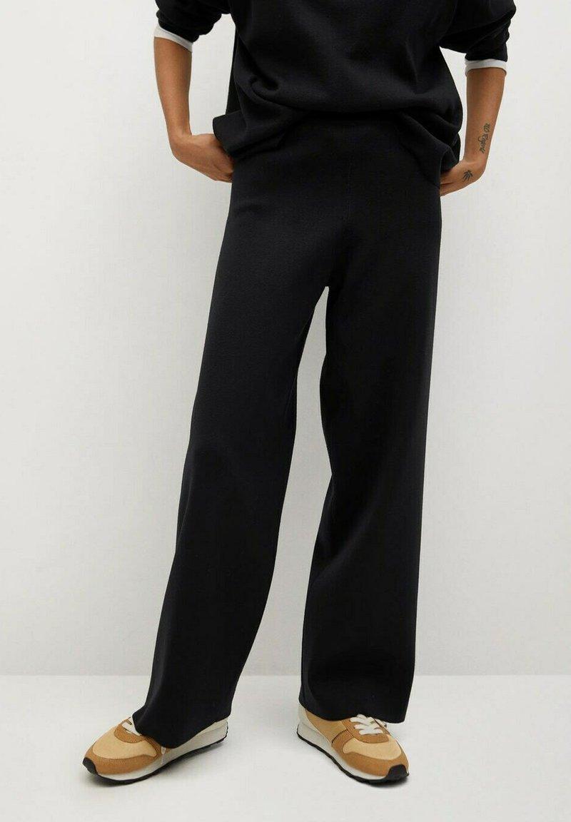 Mango - CLAU - Trousers - zwart