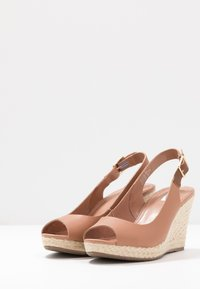 Dune London WIDE FIT - WIDE FIT KICKS - High heeled sandals - camel - 4